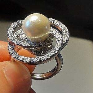 Vintage Faux Pearl & Gem Stone Dress Ring. Size 5